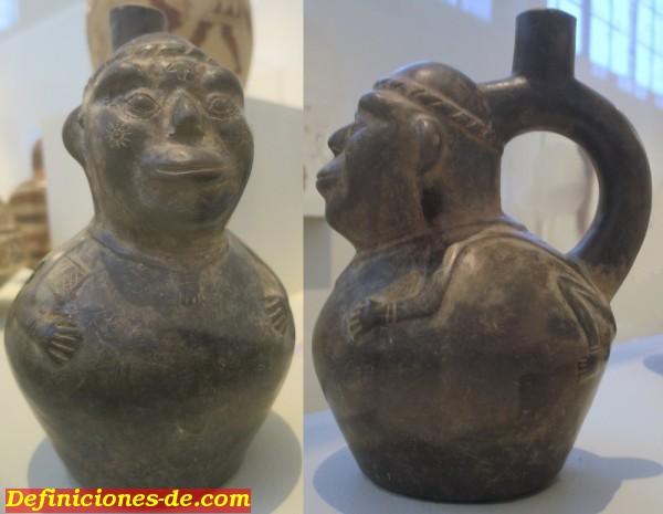 Recipiente de asa de estribo, cultura de Chimú, Perú, finales del siglo XV y principios del XVI, cerámica negra, Museo de Arte de Honolulu.