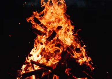 Podía sentir el intenso calor del fuego.